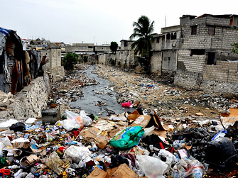 Many communities in Haiti live without access to waste management infrastructure. This means waste – including plastic waste – enters small waterways. From there, it travels to the ocean.
